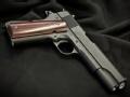 勃朗宁的M1911手枪