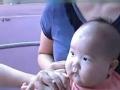 《家庭幽默录像》片花 超迟钝宝宝打针