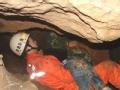 """拯救11米""""地洞""""下的三岁女童"""