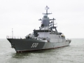 军迷热议中国新型战舰频露面