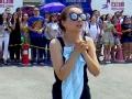 《极速前进中国版第二季片花》韩庚高空爬塑料膜 险坠落吓傻吴昕