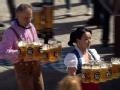 《极速前进中国版第三季片花》抢先看 金星汉斯搬啤酒 着德国民族盛装似过节