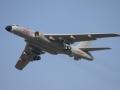 中国轰-6K轰炸机首次公众展示引关注