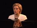 《周六夜现场第42季片花》第六期 希拉里原创哈利路亚 钢琴弹唱尽显悲凉