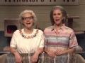 《周六夜现场第42季片花》第七期 克里斯汀调侃偶像变猫咪 艰难忍笑公然袭胸女友