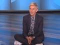 《艾伦秀第14季片花》第九十四期 艾伦坐在舞台表演脱口秀 观众恶搞路人惹懵圈