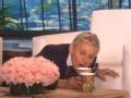 《艾伦秀第14季片花》第一百三十二期 艾伦现场挑战吹杯子 美女与野兽被玩坏遭调侃