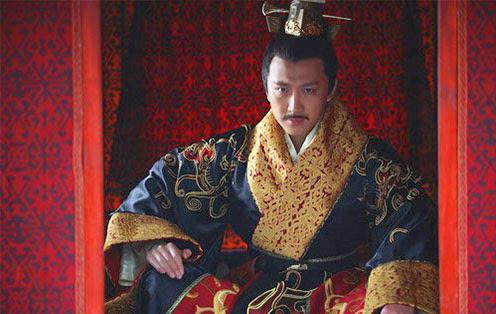 为自己修两座皇陵的汉帝