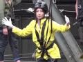 《极速前进中国版第四季片花》抢先看 王丽坤挑战高空独木桥 双腿发软要吓哭