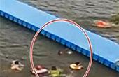 男孩浮桥上失足落水 附近市民跳湖12秒救人