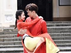 配一脸!郑元畅王丽坤拍婚纱照 张继科父子弃赛