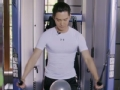 《健身荷尔蒙片花》盛一伦夹胸机上挑战夹气球 态度认真获一致好评