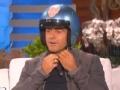《艾伦秀第15季片花》S15E10 塞洛克斯拍戏出车祸获赠定制头盔