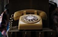 坏掉的电话机突然响起