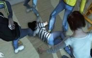 17岁女生因打呼噜被同学群殴