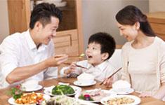 餐桌上可以和孩子聊什么