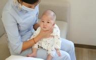 如何正確給寶寶拍嗝?