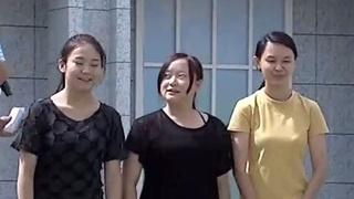 甜美女孩挑战节目现场招亲海报