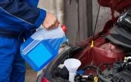 冷卻液少了能加水代替嗎?