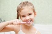 你开始给宝宝刷牙了吗?