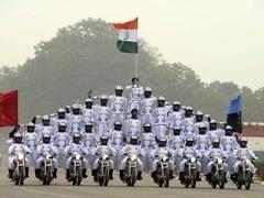 印度阅兵尽显奇葩 奥巴马竖拇指点赞